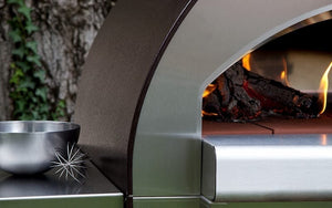 With its Made in Italy quality, the ALFA Pizze 4 outdoor pizza oven will last for years