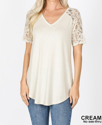 V-neck lace sleeve top - Curvy Girl
