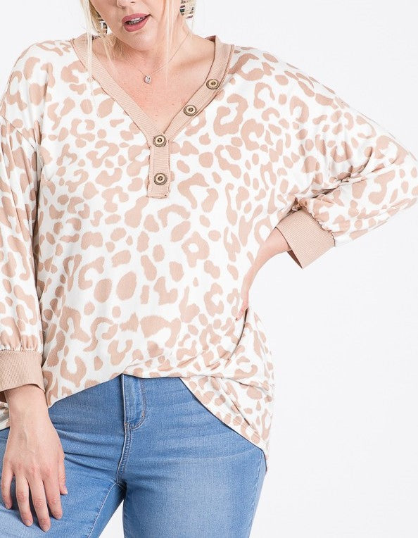 Animal print button top - Curvy Girl