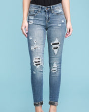 Load image into Gallery viewer, Judy Blue Camo patch skinny
