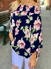 Load image into Gallery viewer, Floral print 3/4 sleeve top
