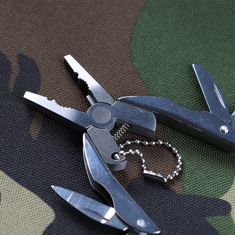 Portable Multifunction Folding Plier,Stainless Steel Foldaway Knife Keychain Screwdriver,Camping Survival EDC Tools Travel Kits