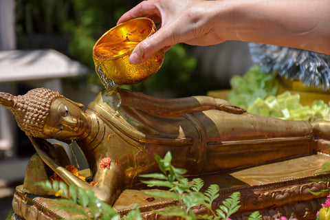 bathing the buddha with tea