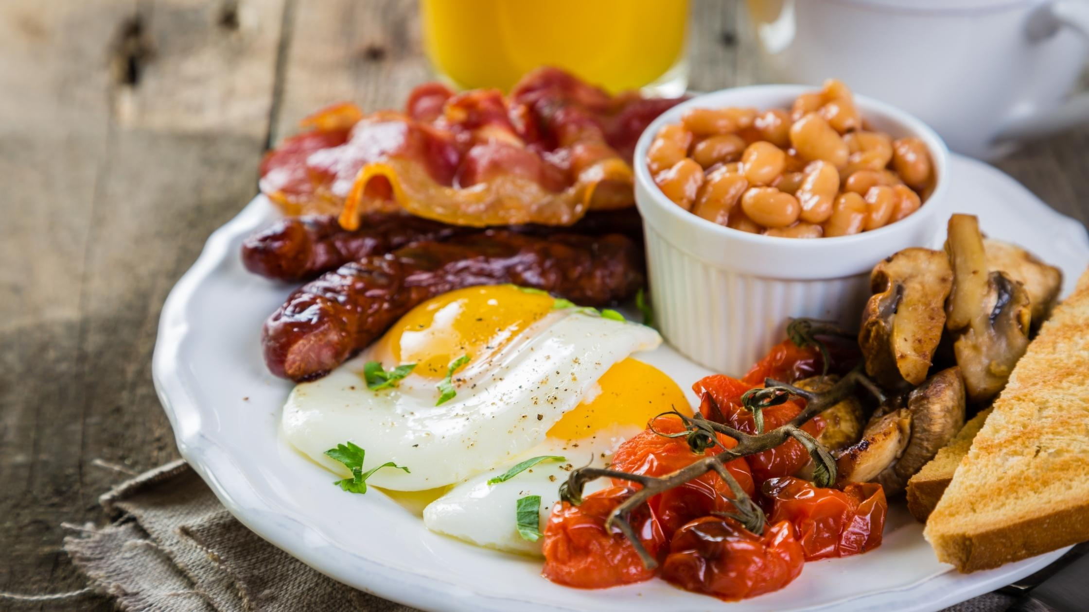 english breakfast with eggs bacon sausage