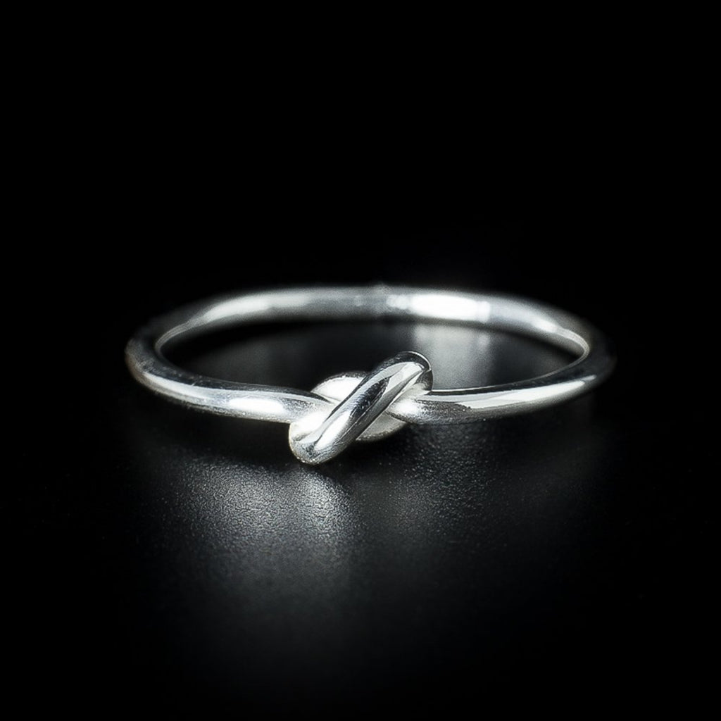 """Knot"" Ring"