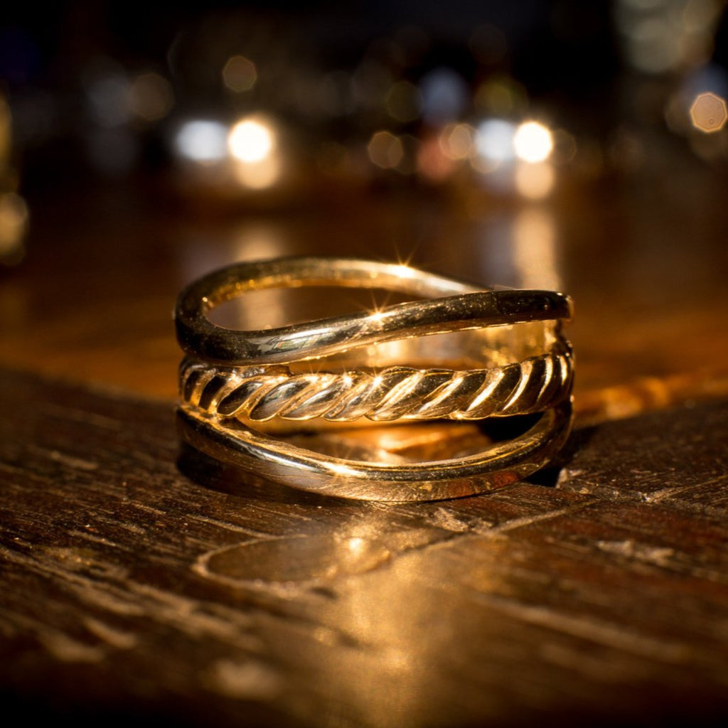 """Lasso"" 9ct Gold Ring"