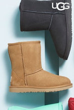 Load image into Gallery viewer, Classic Ugg Short Boot