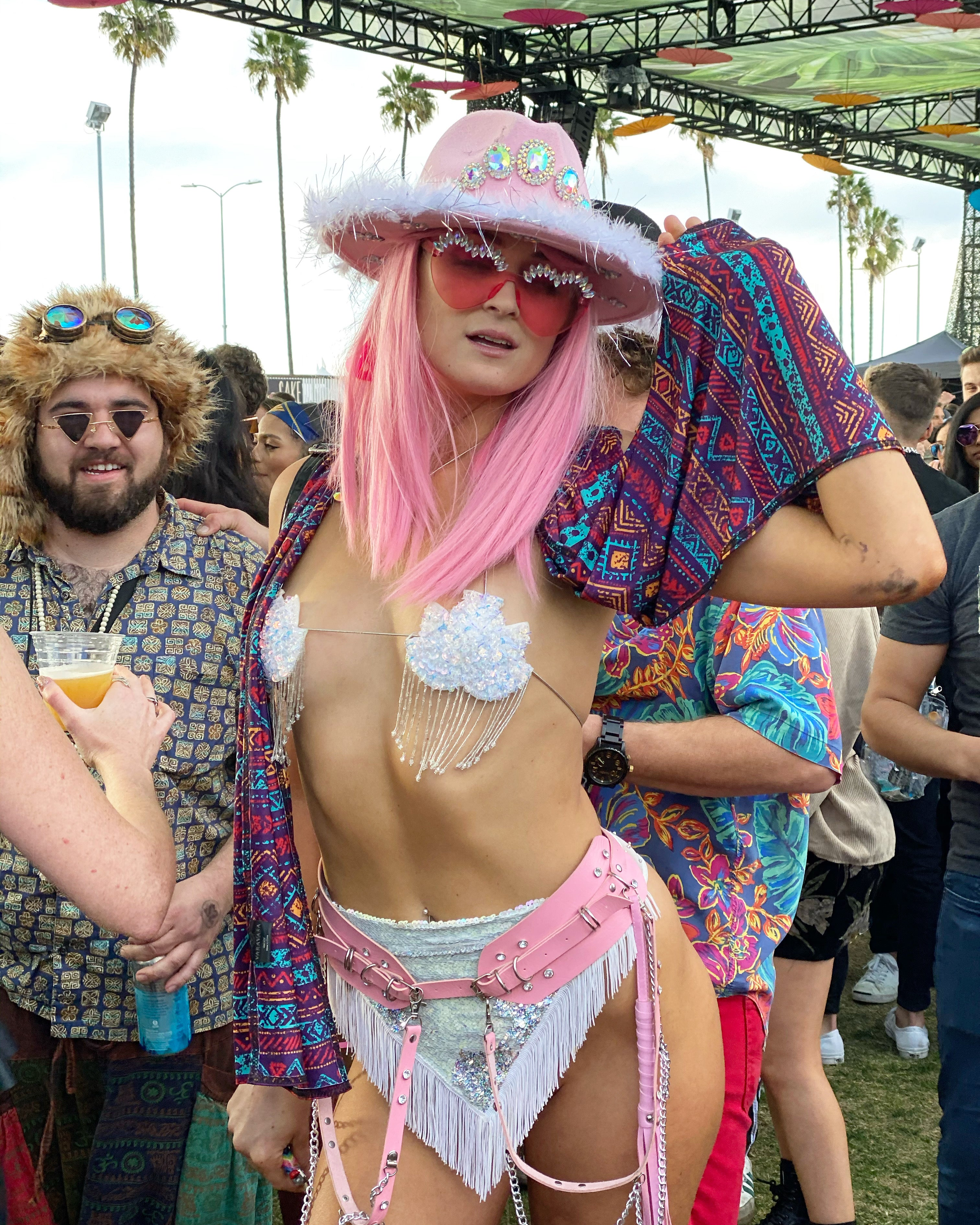 The types of people you see at a music festival. People you see at a Rave. Personalities at a music festival. Funny article. Music Festival.