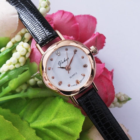 Pin Women Casual Quartz Analog Three-dimensional Watch