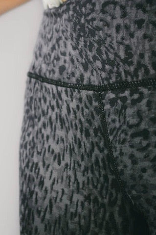Leopard print performance leggings