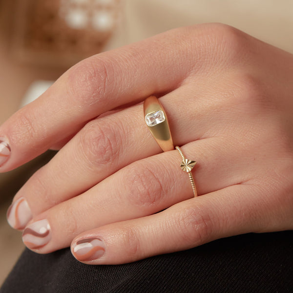 THE GRACE BAGUETTE RING