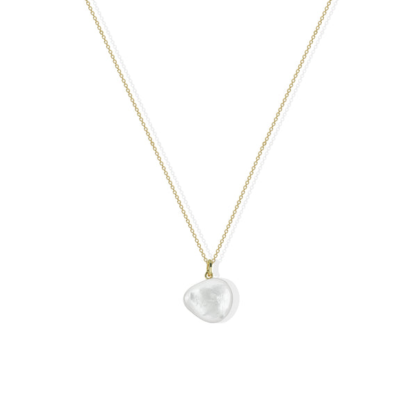 THE LORENZA PEARL NECKLACE
