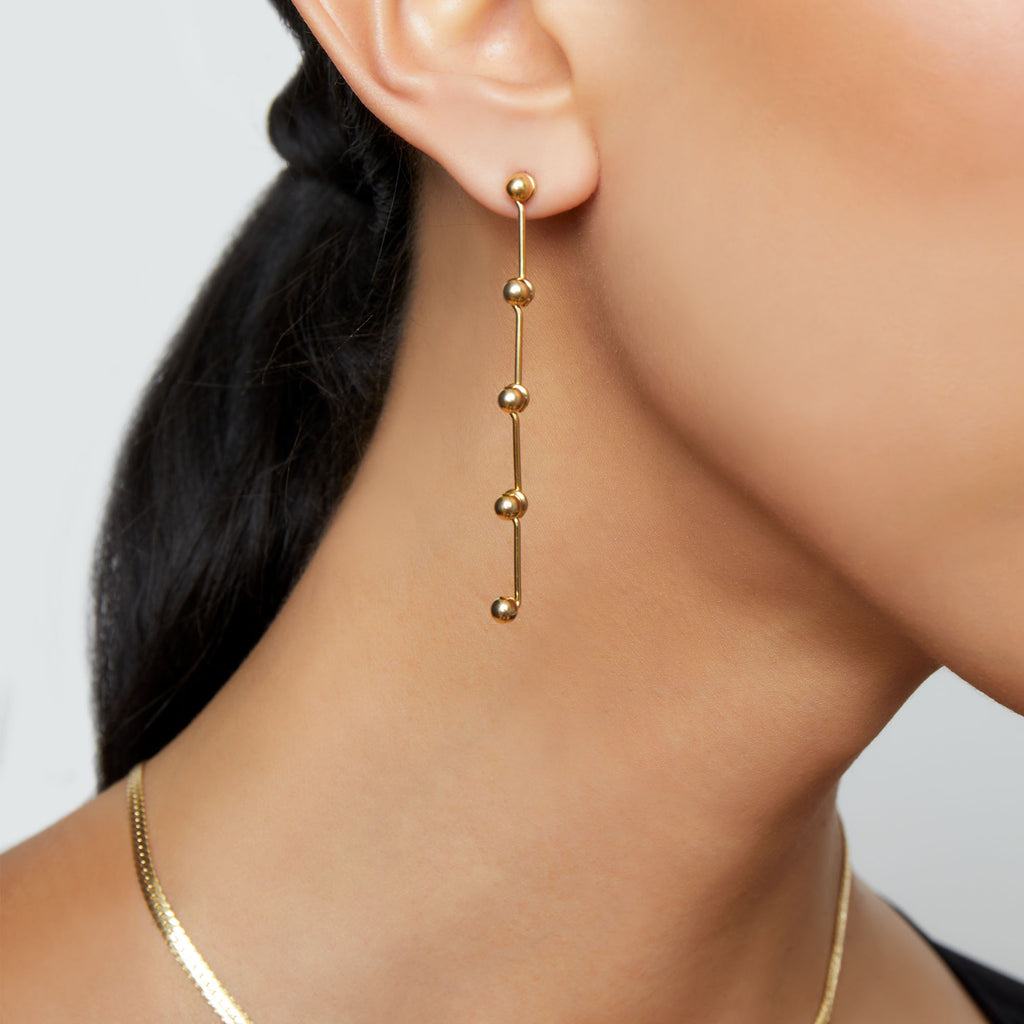 THE SPHERE CHARM DROP EARRING