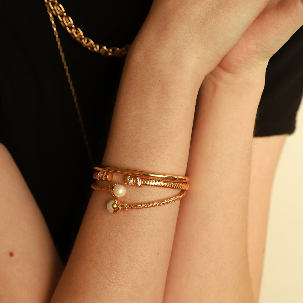 THE ESSENTIAL SOLID BRACELET CUFF