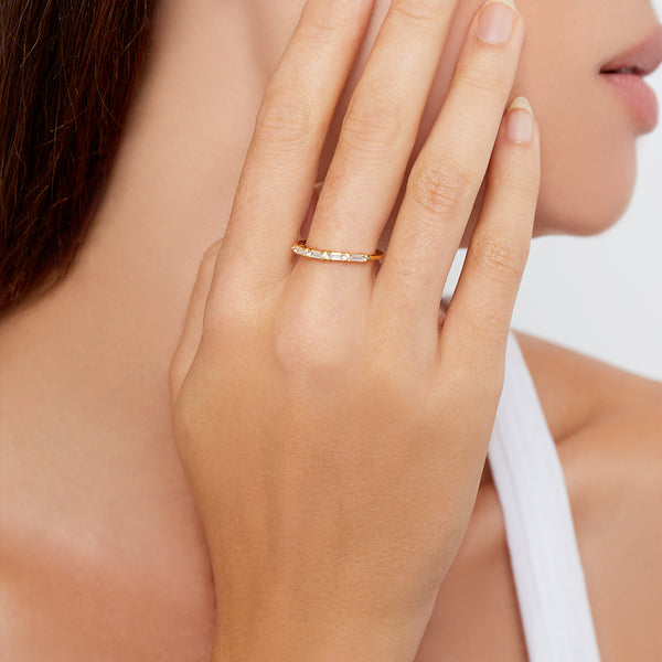 THE SIMPLE ÉCLAT RING