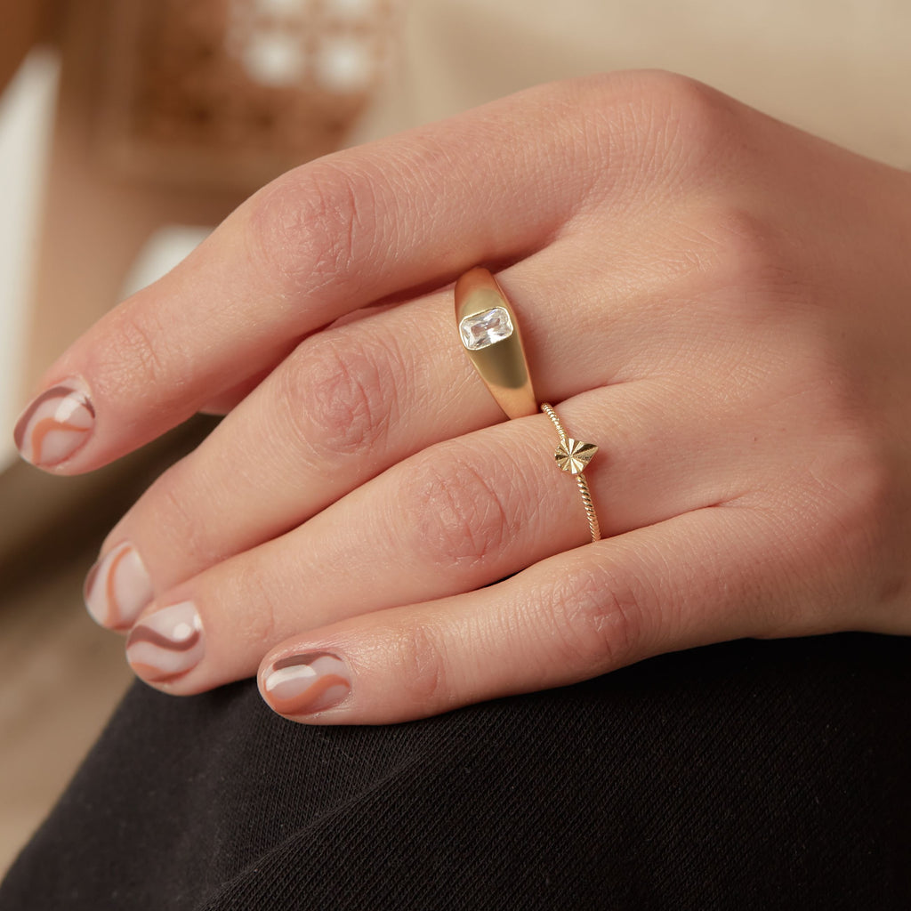 THE TALIA TEXTURED RING