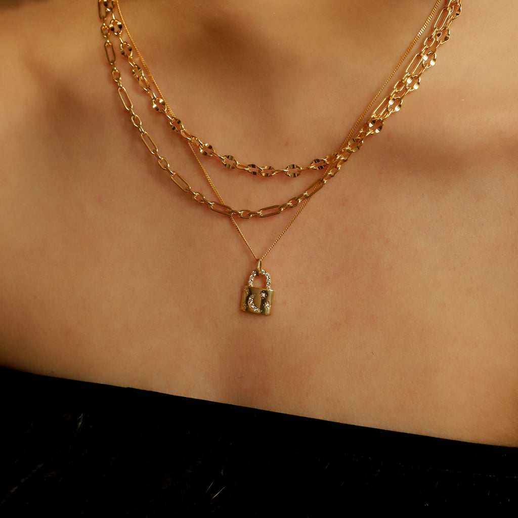 THE LOCKET PENDANT NECKLACE