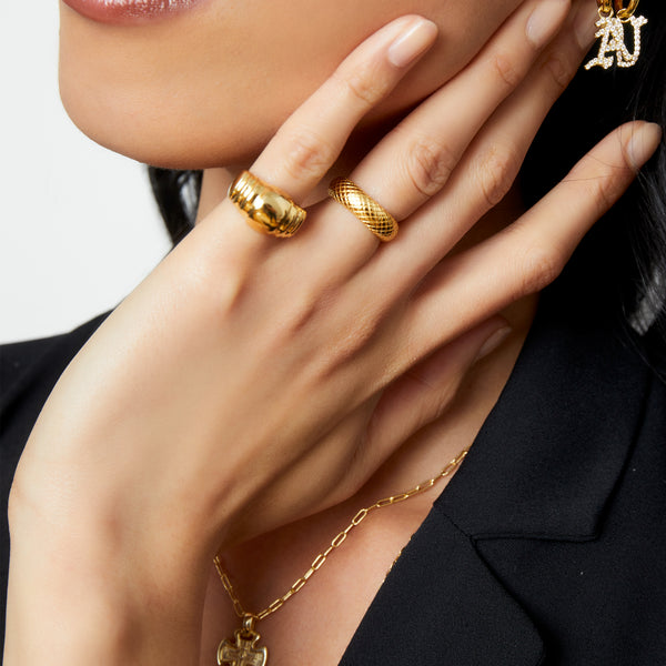 THE TEXTURED CYLINE RING