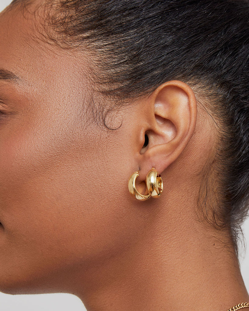 THE ESSENTIAL GOLD HOOP SET