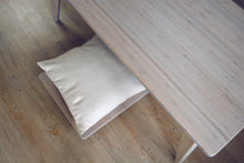 LOW Large Pillow Lift GREY