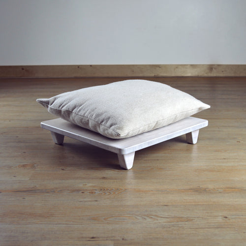 LOW Pillow Lift WHITE (seat for cushion)