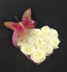 Small Heart White Chocolate color Preserved Roses