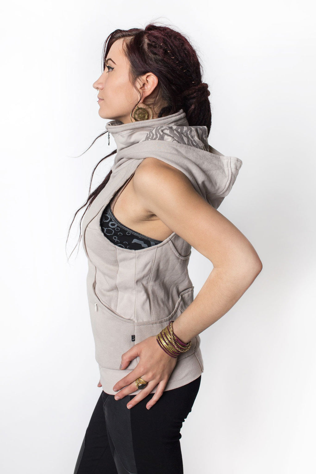 FREQUENCY VEST