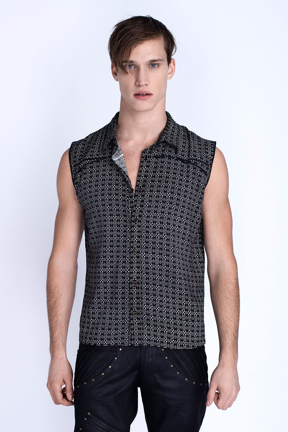 BLACK WILLOW SLEEVELESS SHIRT