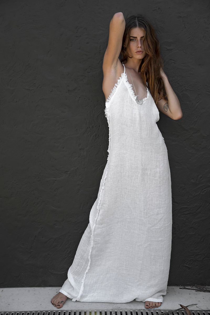 LEADER DRESS WHITE