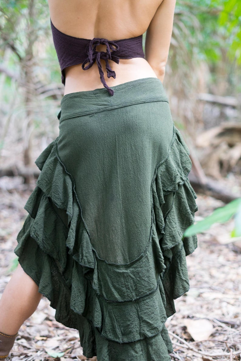 RUFFLE SKIRT IN OLIVE GREEN