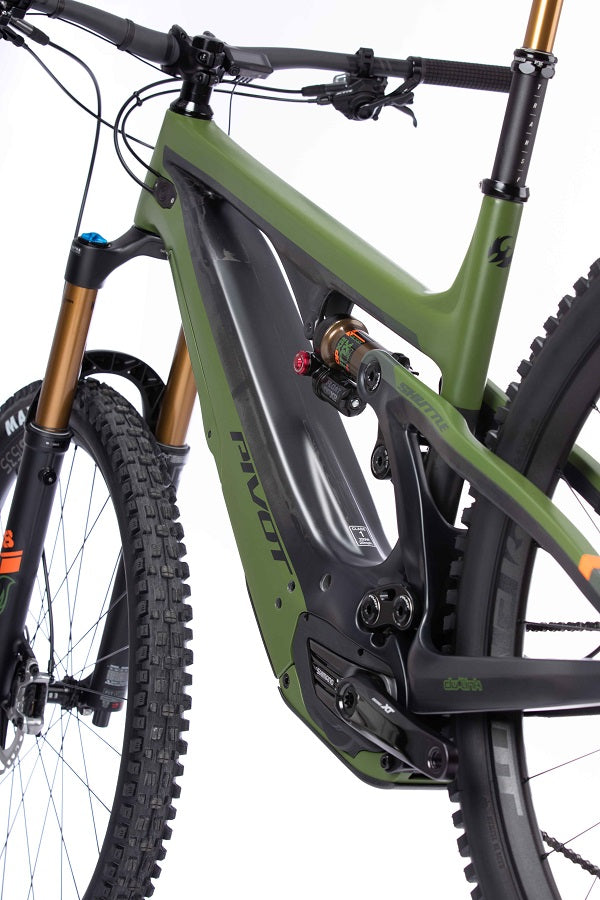 For The Riders Pivot Shuttle V2 EP8 mountain bike