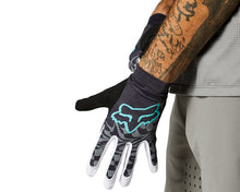 Load image into Gallery viewer, BUy Fox Flexair Glove For The Riders mountain bike shop Brisbane