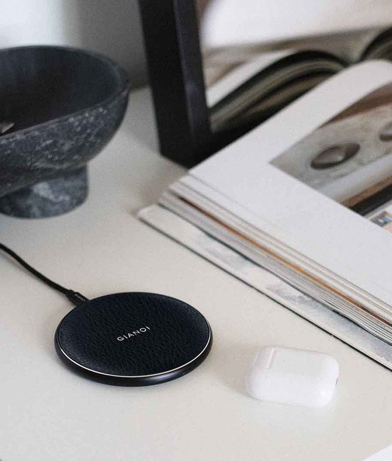 Wireless Charger Pebble Leather
