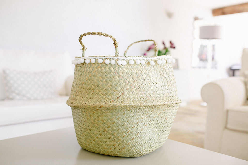 The MUMMY Belly Basket Natural, with a pom pom trim