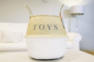 The DADDY Belly Basket White with a pom pom trim