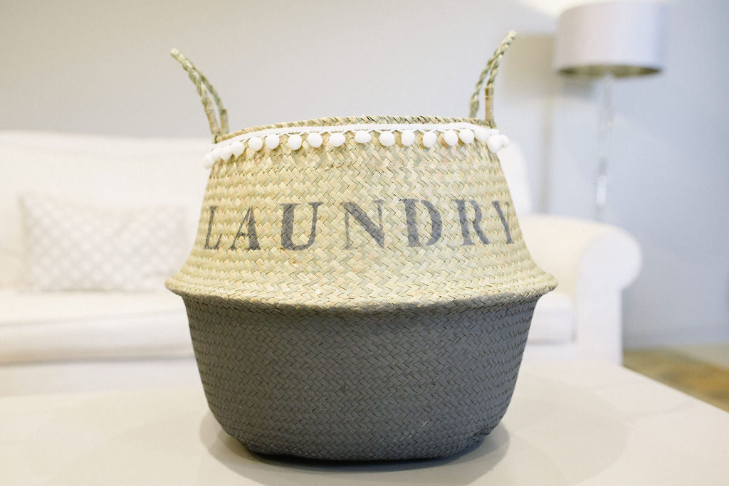 The DADDY Belly Basket French Grey with a pom pom trim