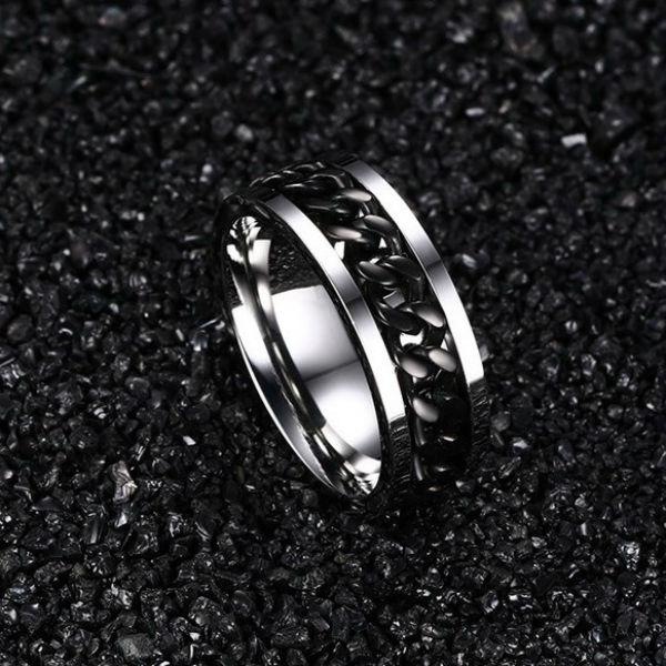 Chain Spin Ring Black
