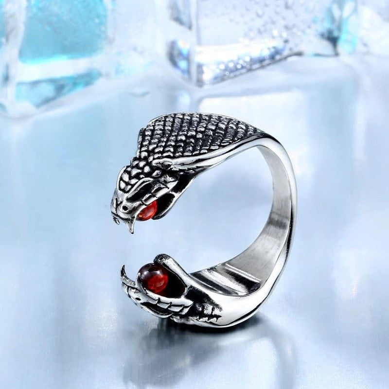 Two Heads Cobra Ring