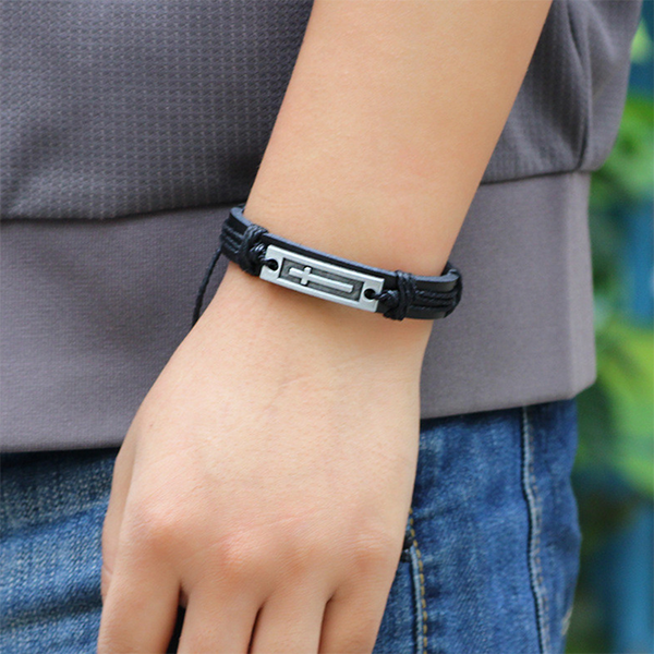 Classic Cross Leather Bracelet Black