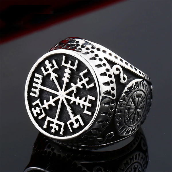 Vegvisir Shield Signet Ring