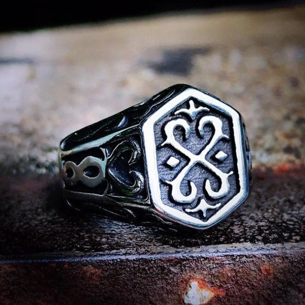 War Totem Viking Ring
