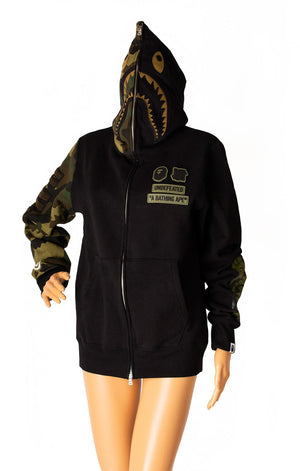 Another front view of A BATHING APE with tags Sweatshirt