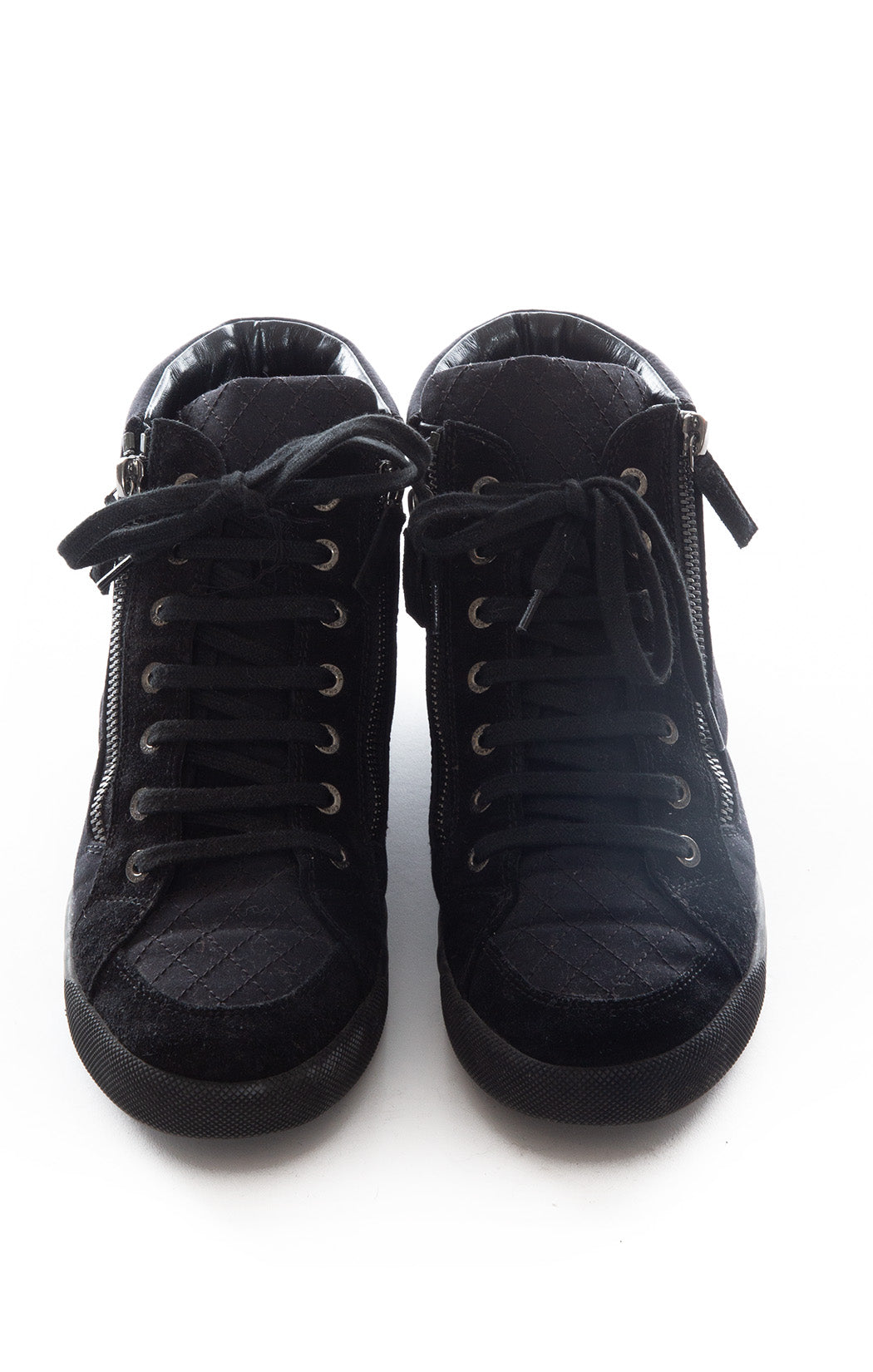 Front view of CHANEL Tennis shoes Size: 8