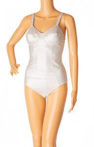 Front view of LISA MARIE FERNANDEZ with tags One piece bathing suit Size: Large