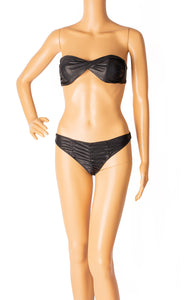 Front view LISA MARIE FERNANDEZ  Bikini Size: Top Medium, Bottom Large (fits like Medium)