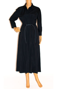 Front view of MAX MARA Dress Size: 8