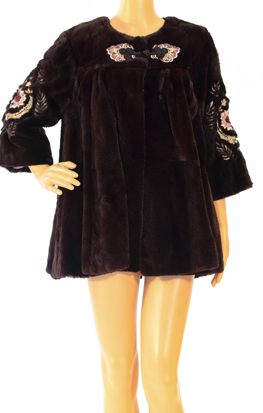 Front view of McGINN Fur jacket Size: Small