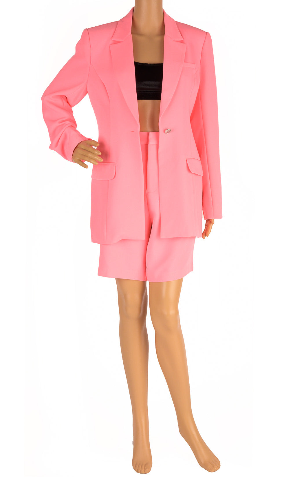 Front view of WHITE FOX  Matching blazer and shorts Size: Medium