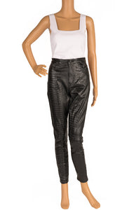 Front view of MISGUIDED Pants Size: 6