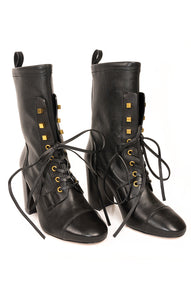 Front view of STUART WEITZMAN  Boots Size: 8.5